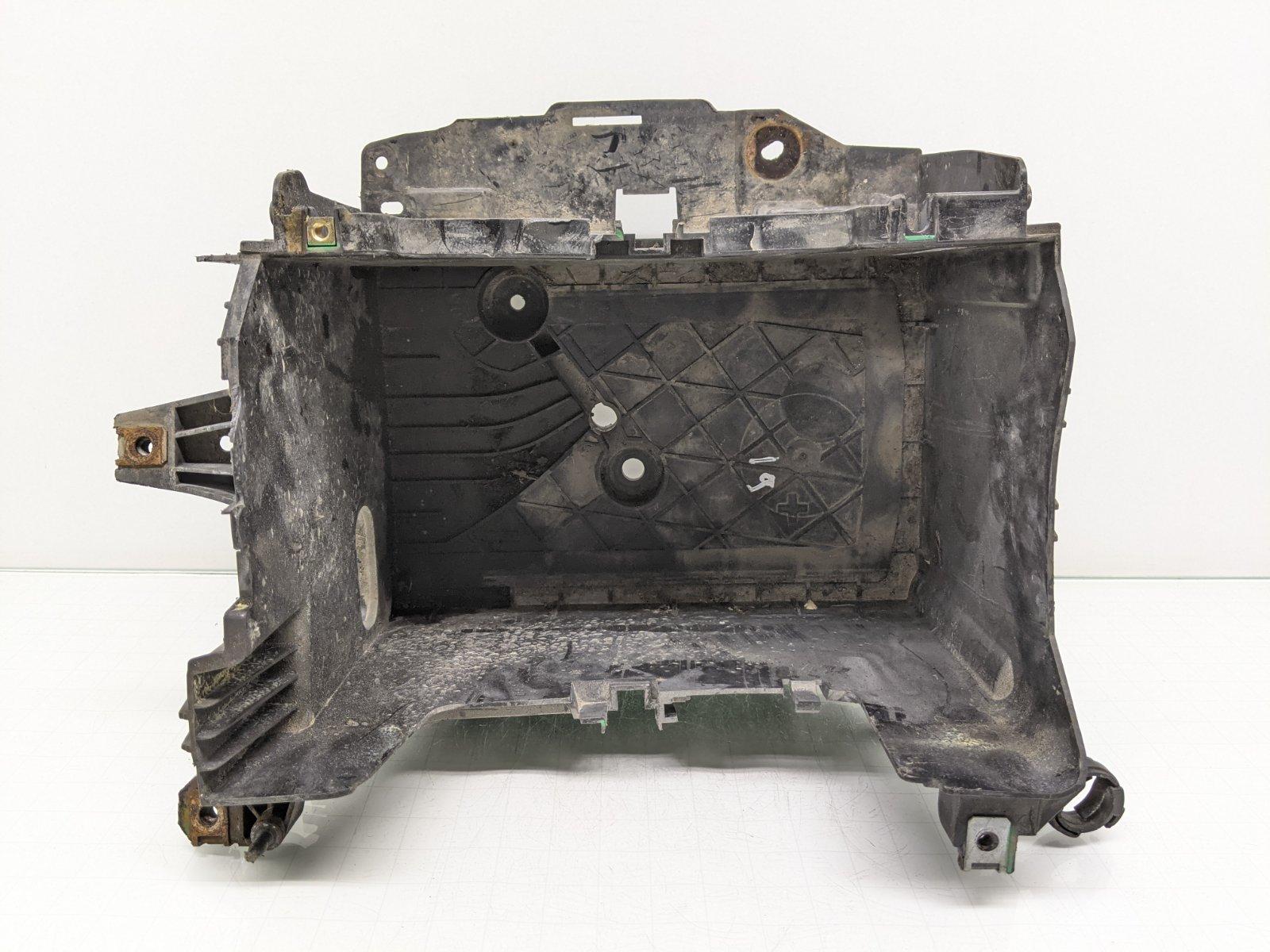 Полка аккумулятора Renault Megane 3 1.6 I 2009 (б/у)