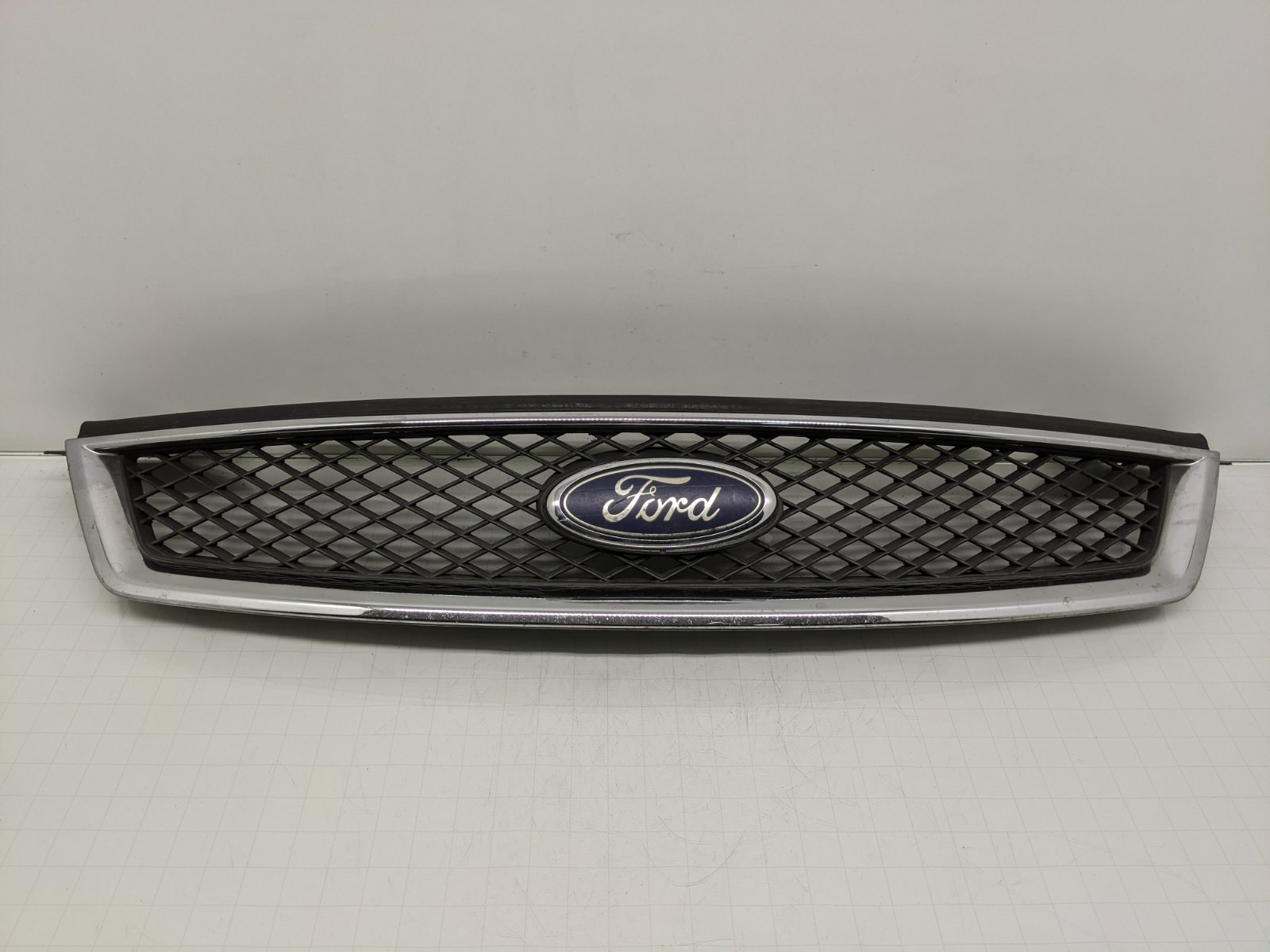 Решетка радиатора Ford Focus 1.8 TDCI 2005 (б/у)