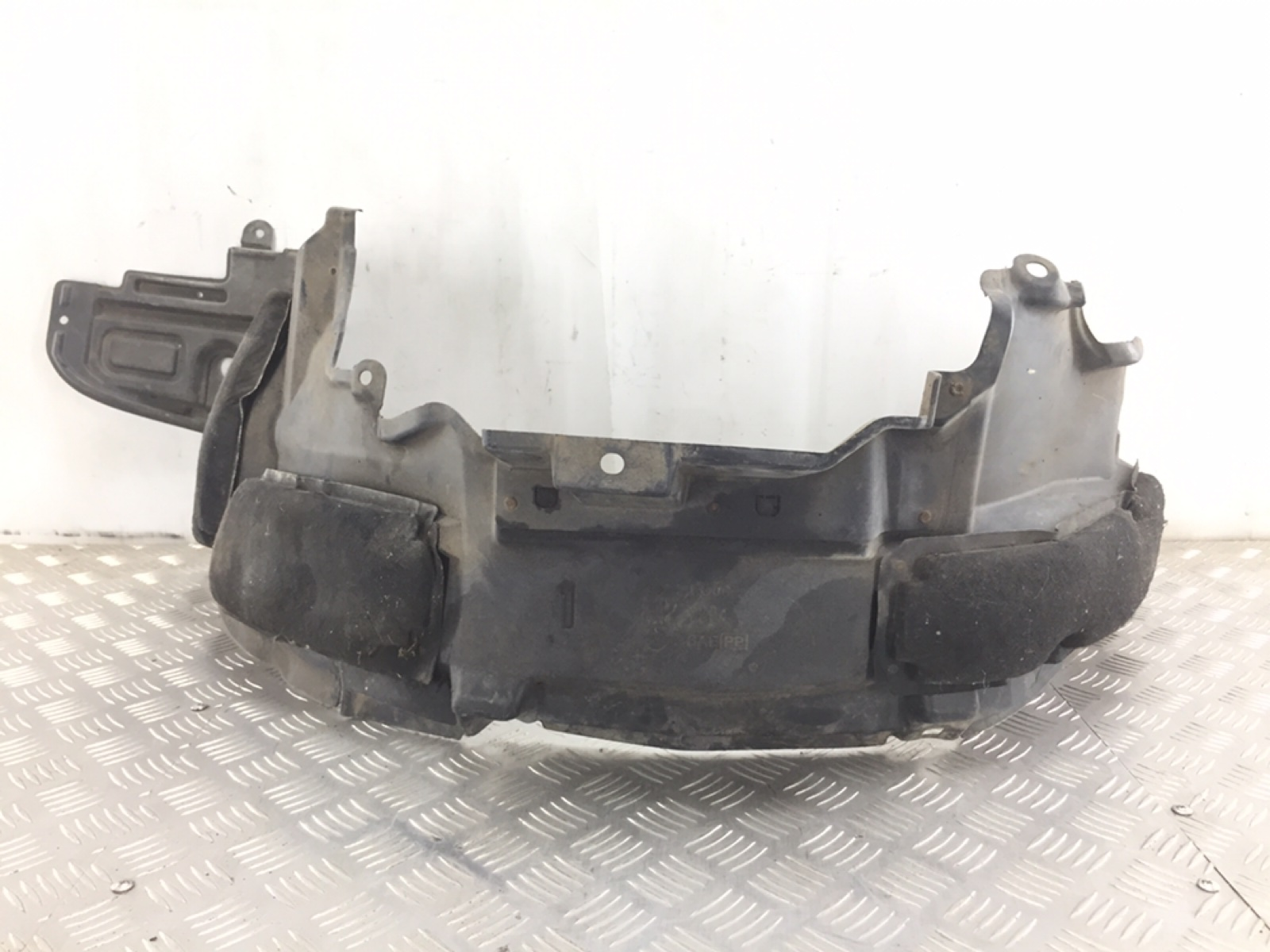 Защита арок передняя левая (подкрылок) Nissan X-Trail T30 2.2 DCI 2006 (б/у)
