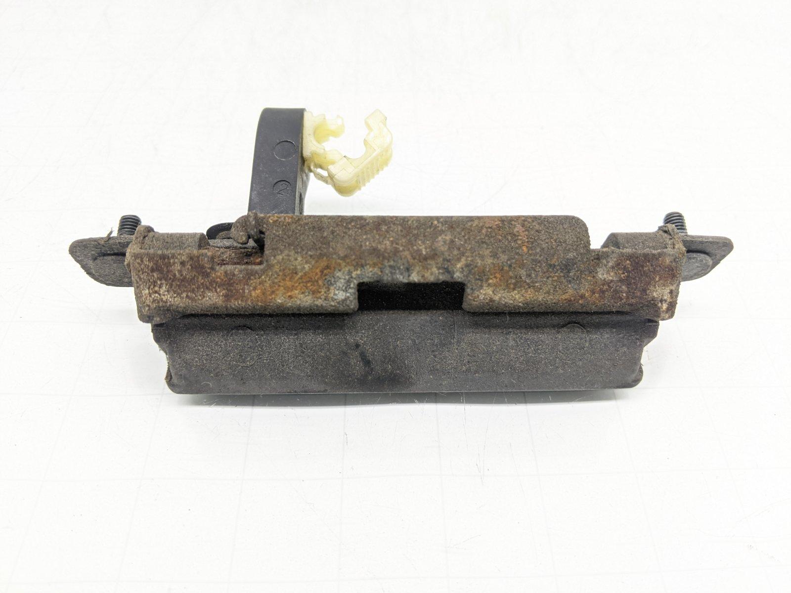 Ручка крышки багажника Mazda 6 1.8 I 2004 (б/у)