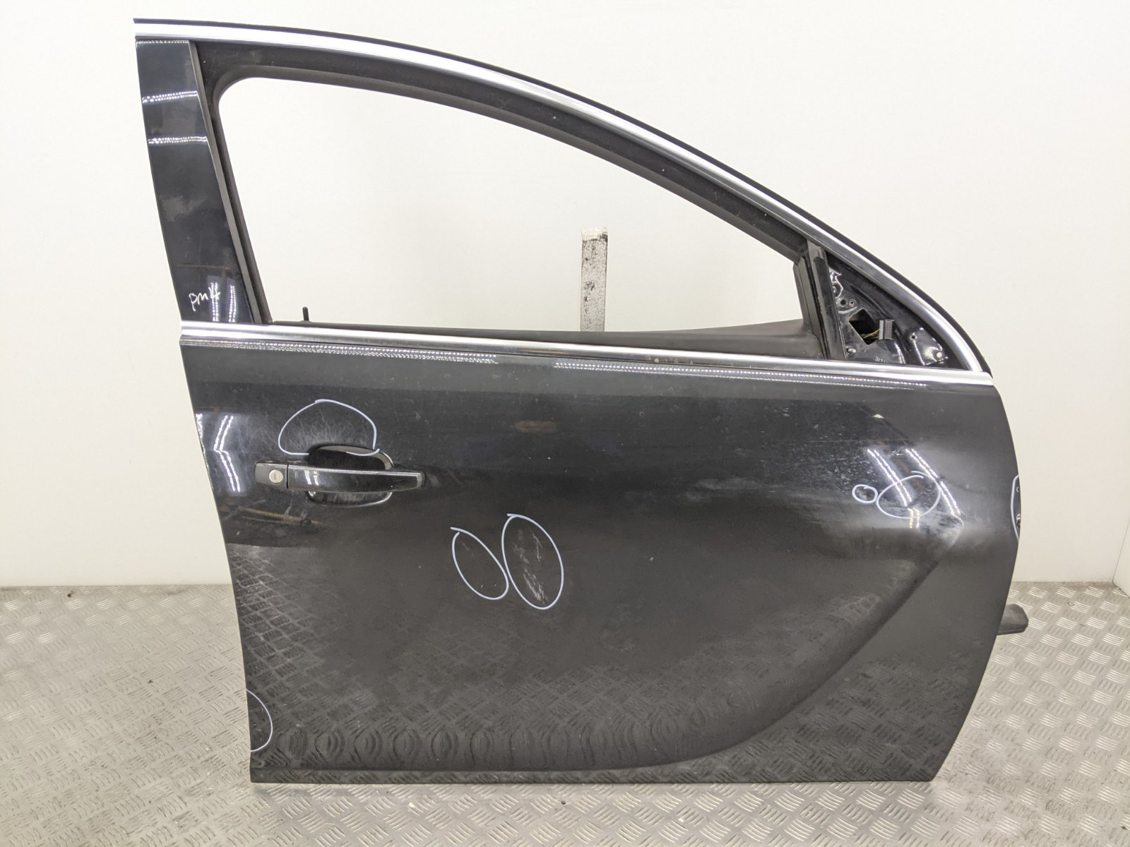 Дверь передняя правая Opel Insignia 2.0 CDTI 2010 (б/у)