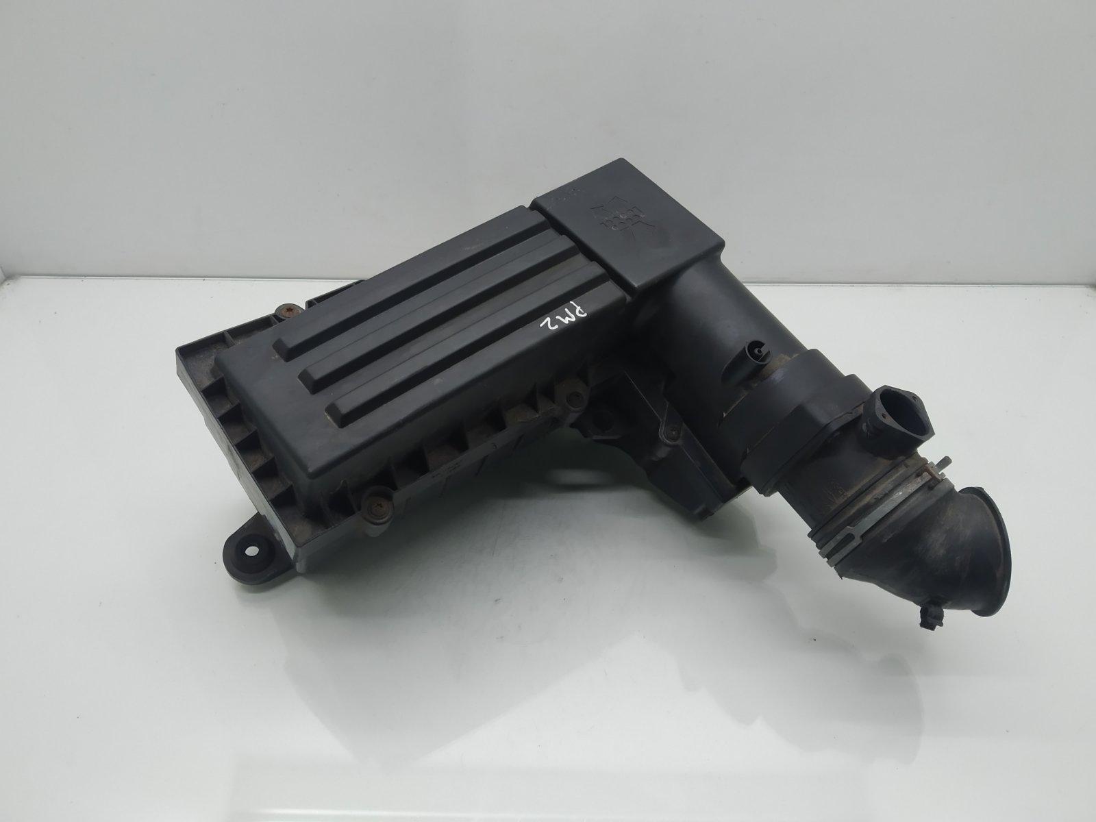 Корпус воздушного фильтра Volkswagen Passat B6 2.0 TDI 2008 (б/у)