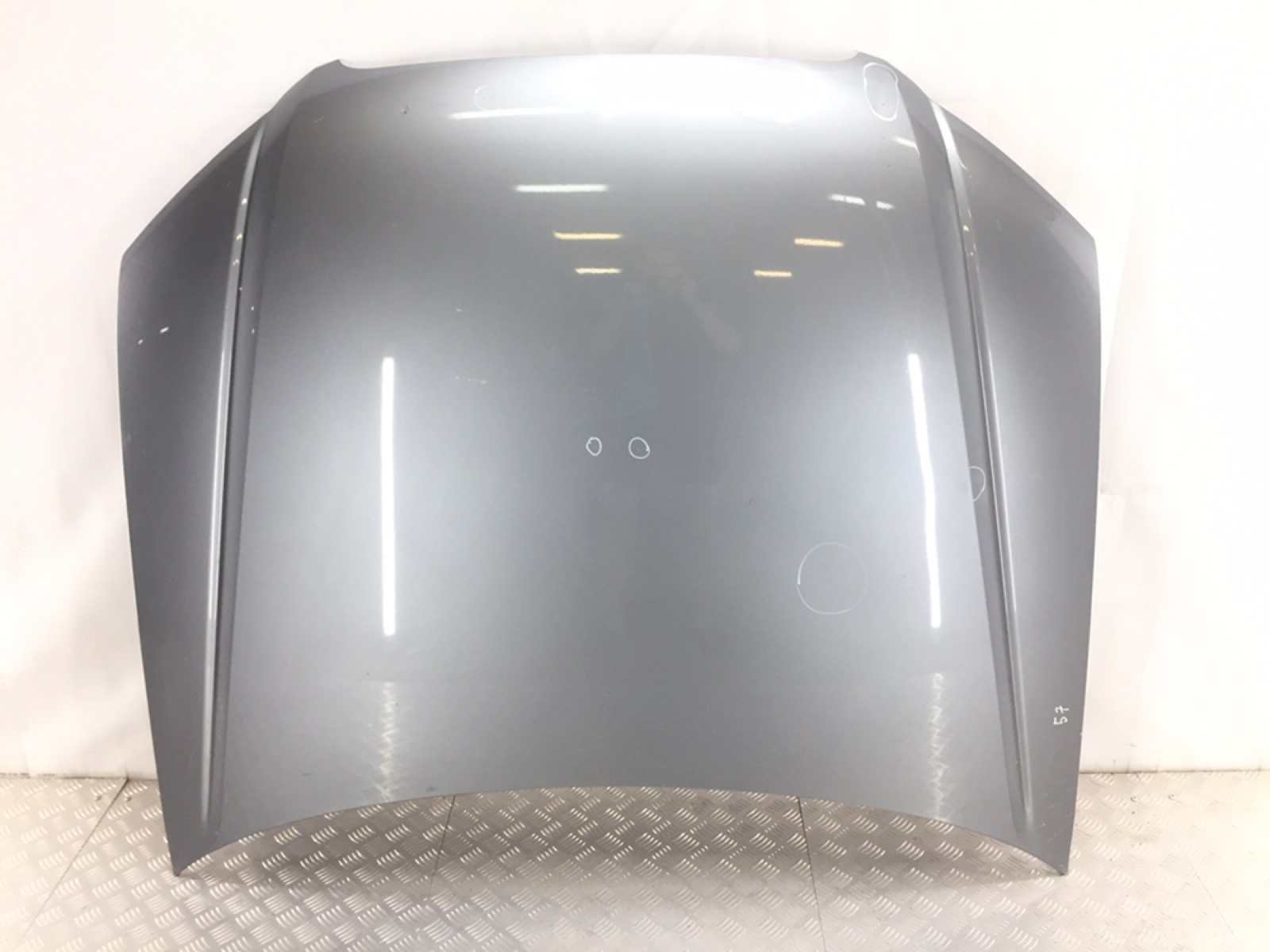 Капот Audi A4 B7 1.9 TDI 2006 (б/у)