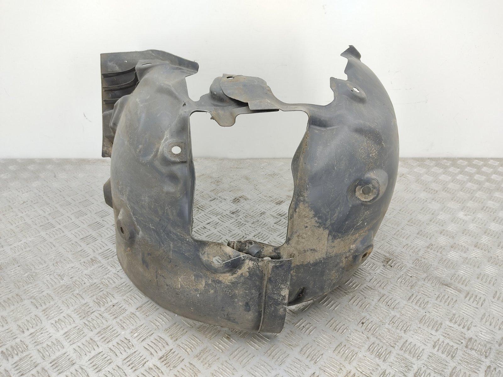 Защита арок передняя правая (подкрылок) Renault Megane 3 1.6 I 2009 (б/у)