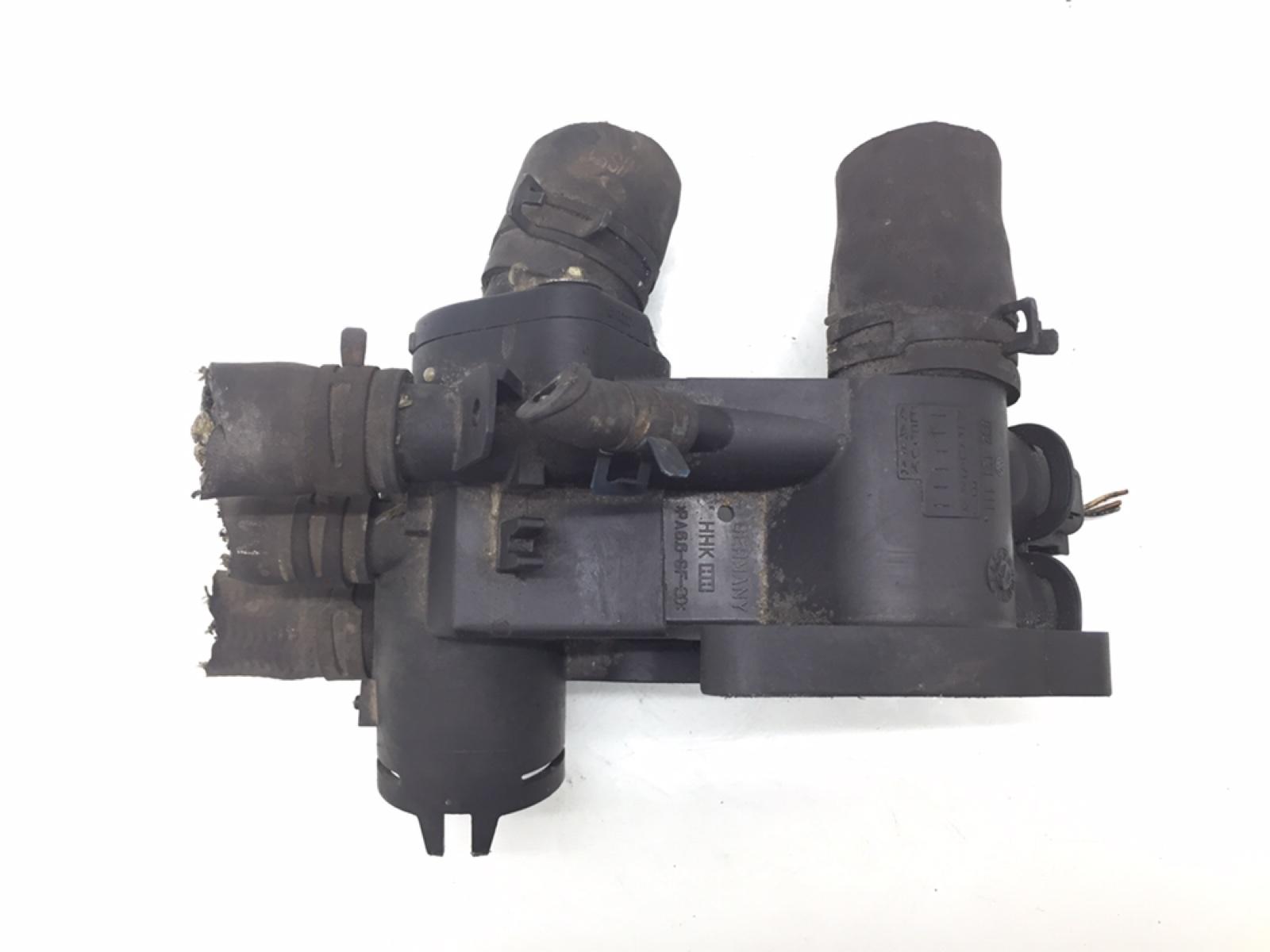 Корпус термостата Volkswagen Polo 1.0 I 2001 (б/у)