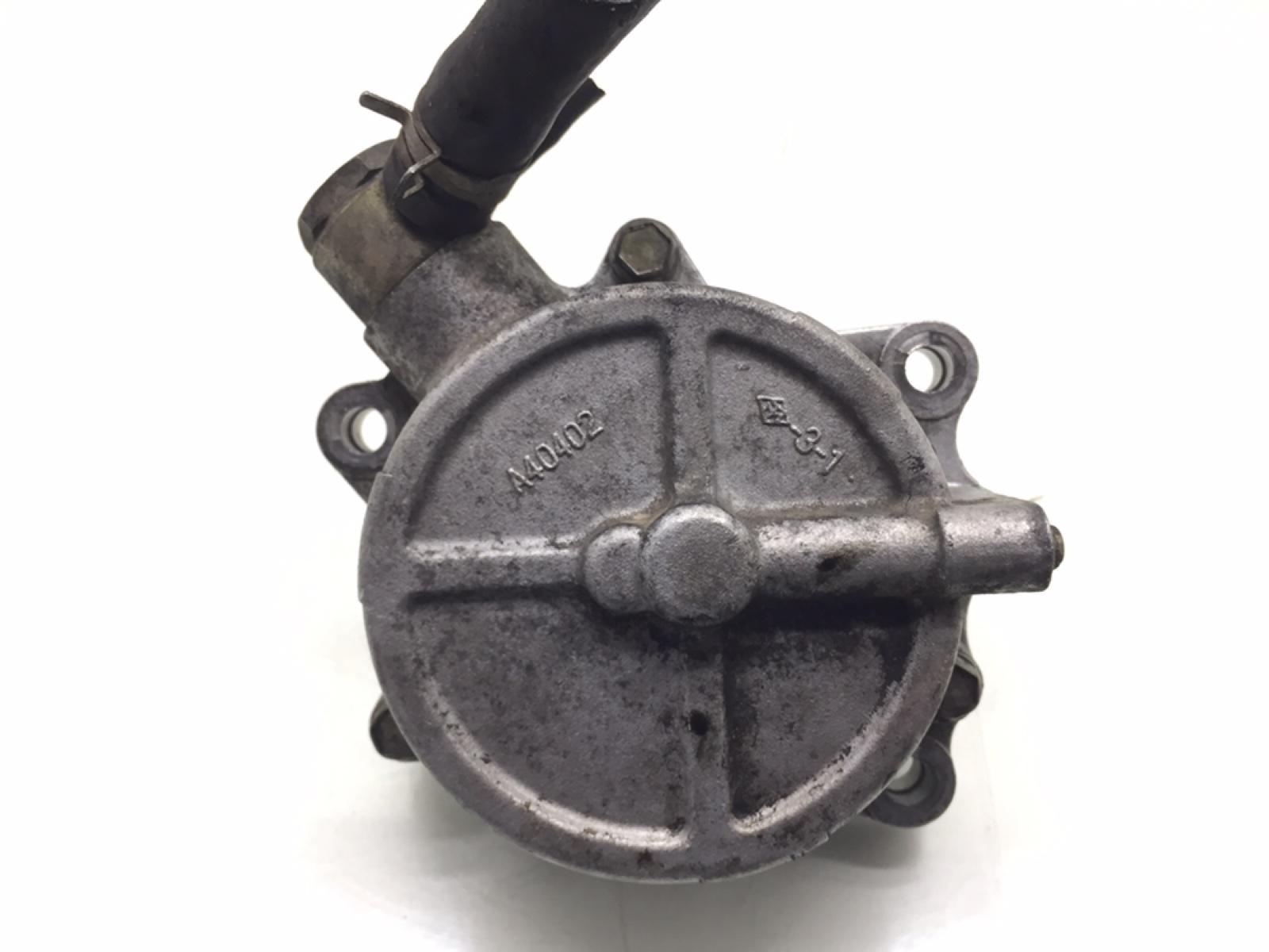 Насос вакуумный Nissan Primera 2.2 DCI 2002 (б/у)