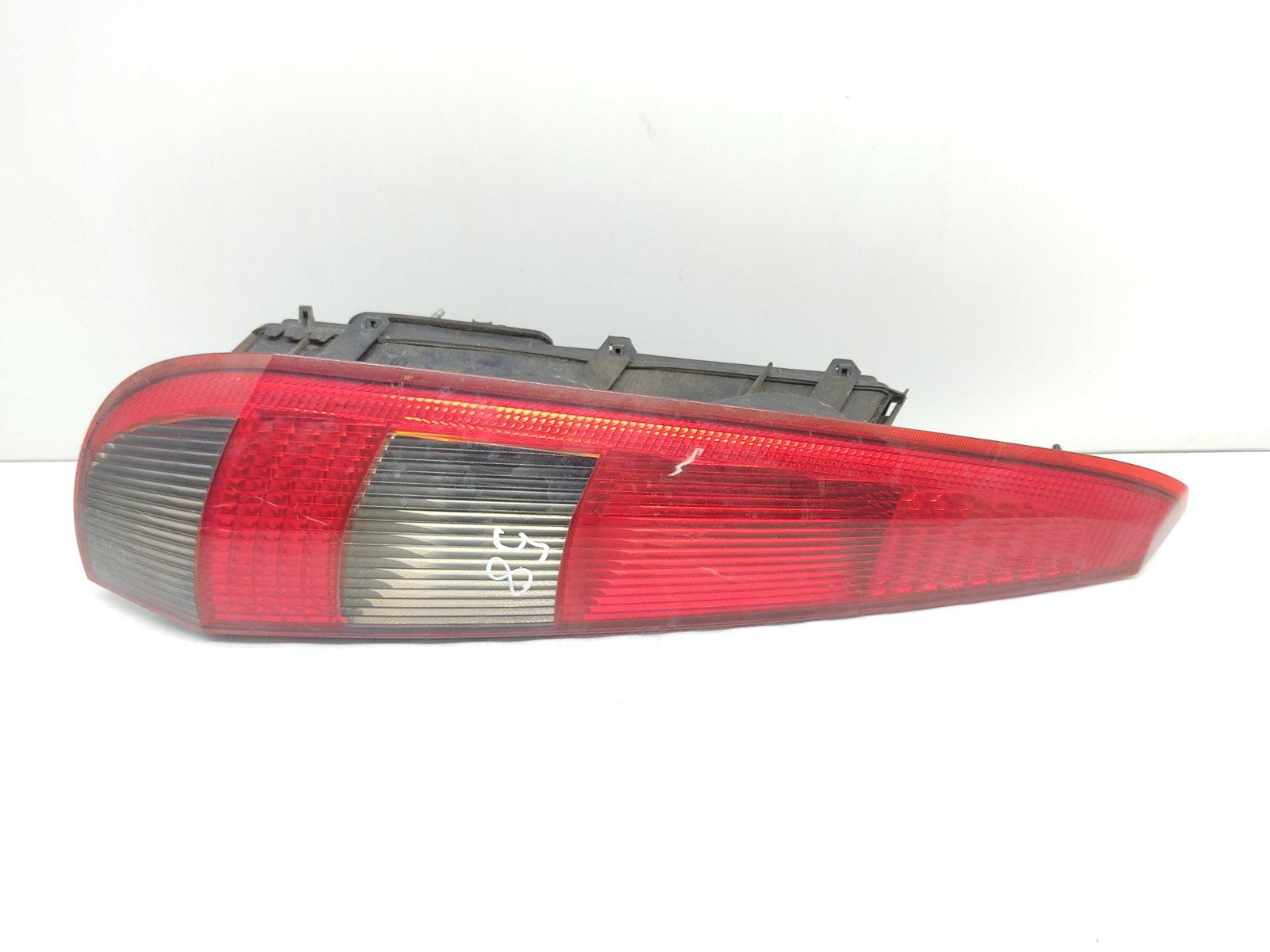 Фонарь задний левый Ford Fiesta 1.3 I 2005 (б/у)