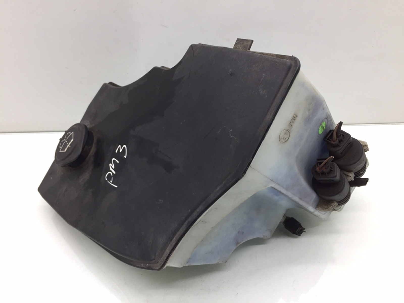 Бачок омывателя Bmw X3 E83 2.0 TD 2005 (б/у)