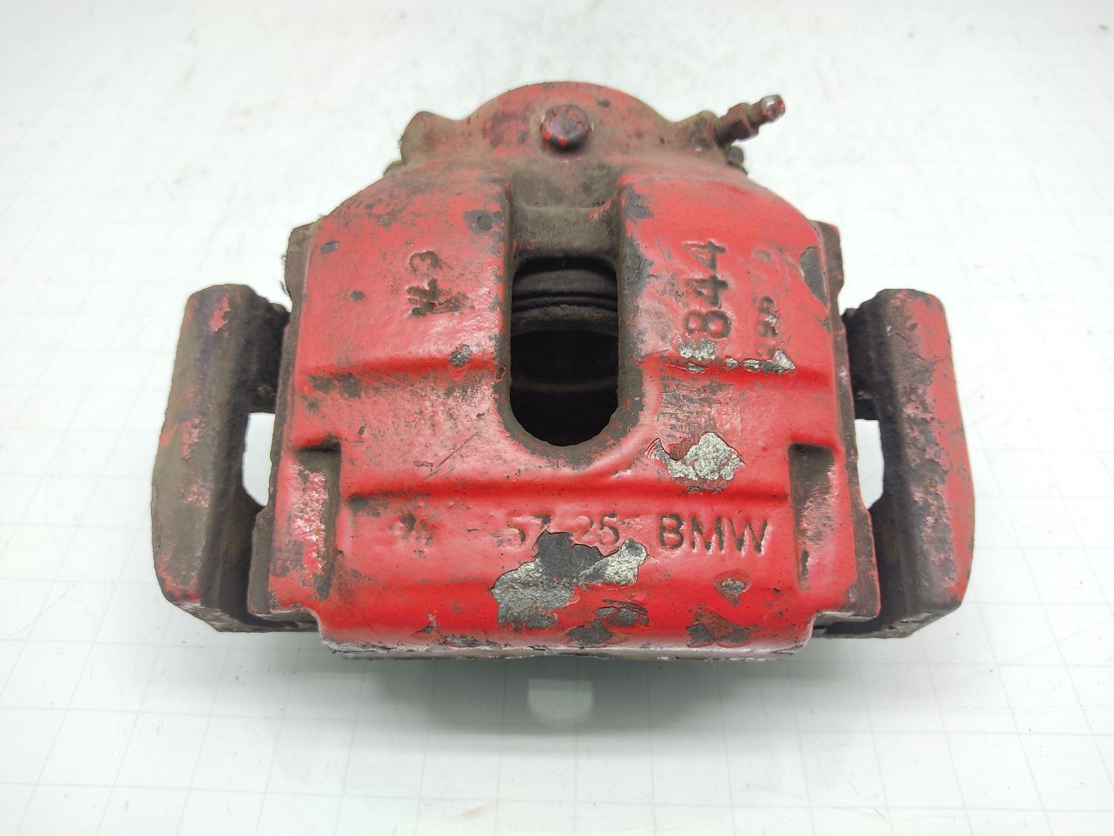 Суппорт передний правый Bmw X3 E83 2.0 TD 2005 (б/у)