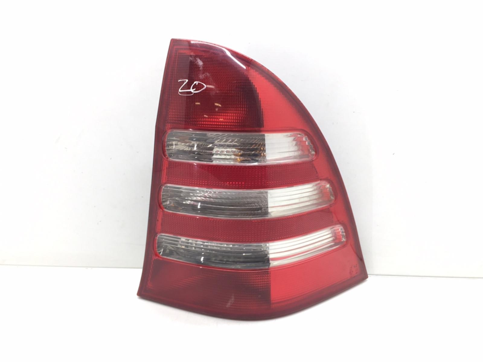 Фонарь задний правый Mercedes C W203 2.2 CDI 2003 (б/у)