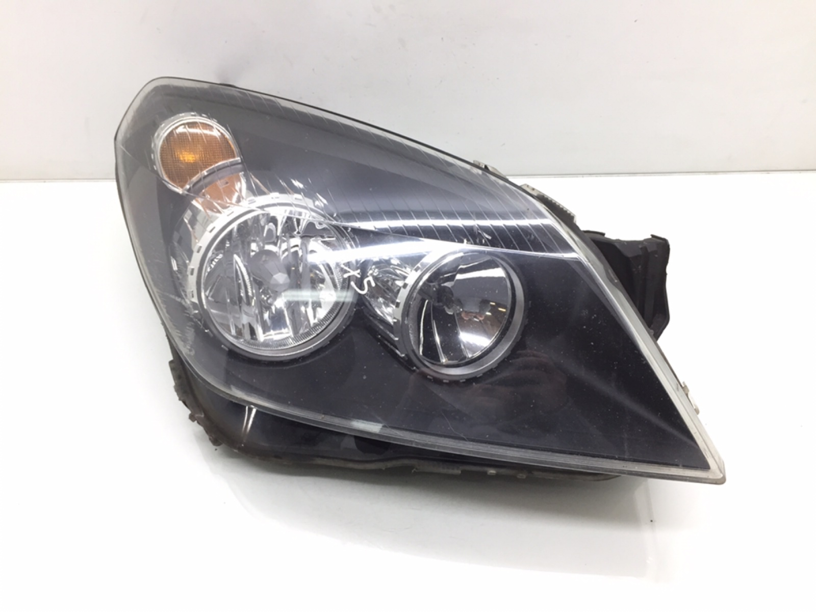 Фара правая Opel Astra H 1.4 I 2009 (б/у)