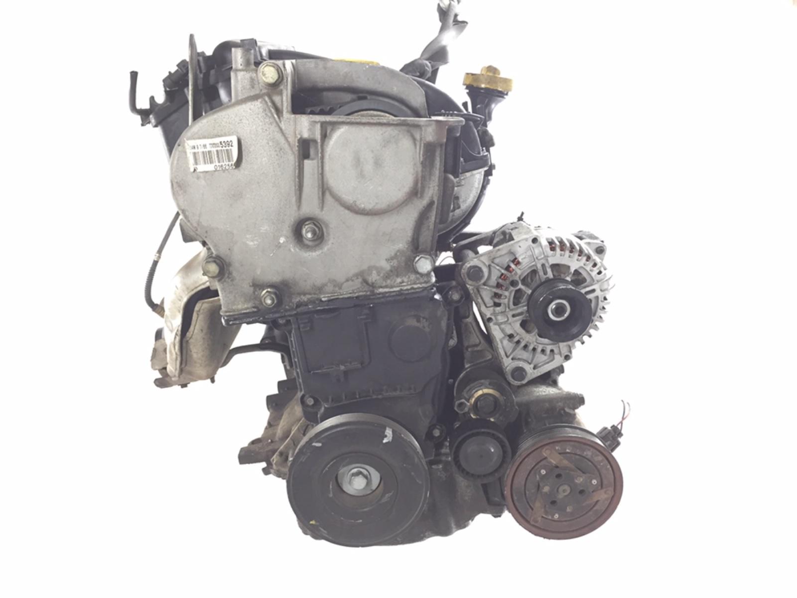 Двигатель Renault Scenic 2 1.6 I 2007 (б/у)