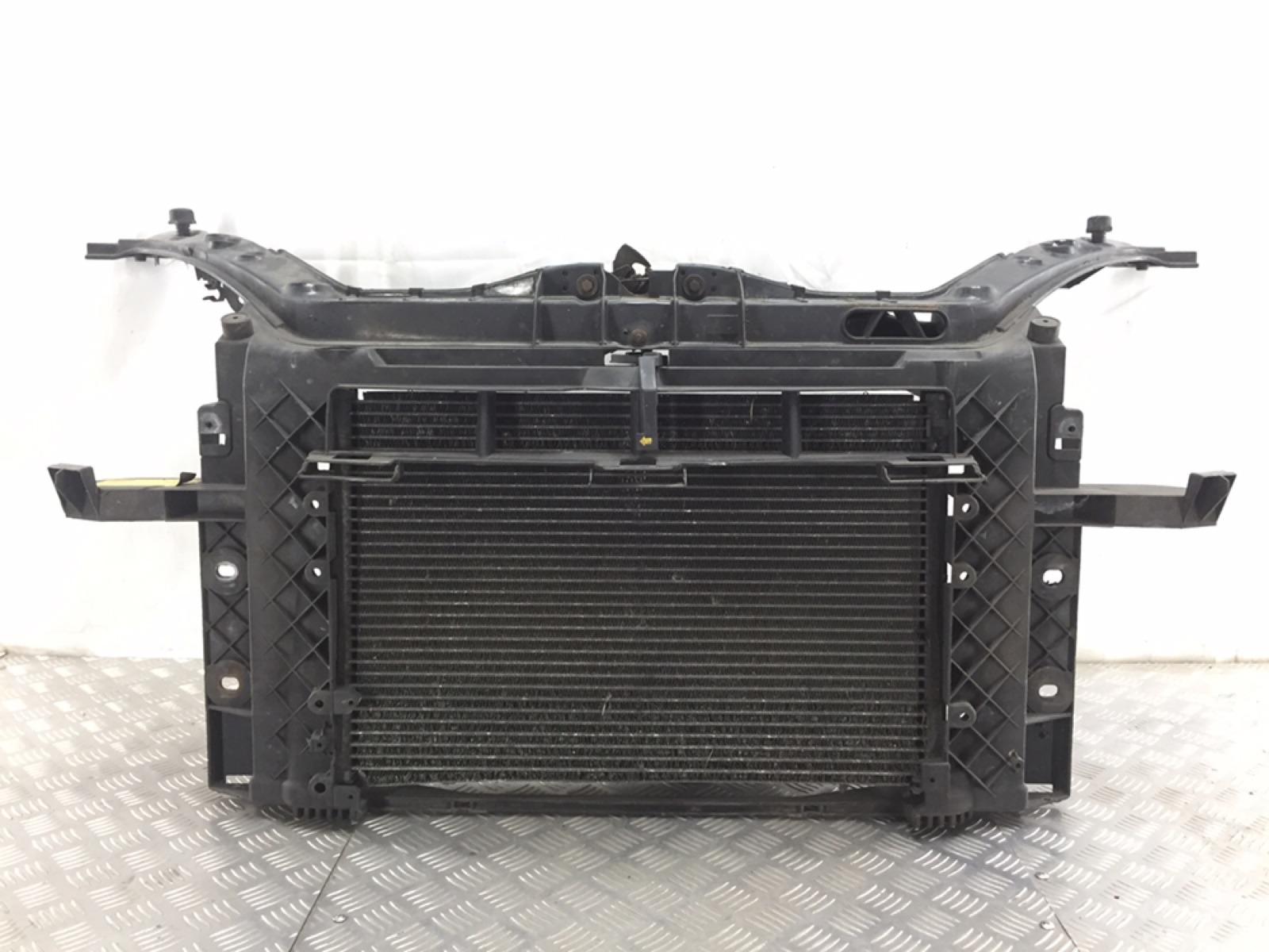 Панель передняя (телевизор) Ford Fusion 1.4 TDCI 2003 (б/у)