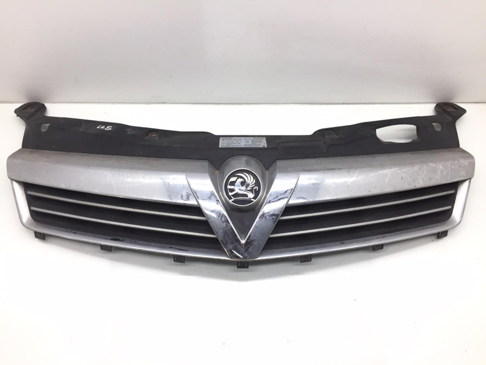 Решетка радиатора Opel Astra H 1.8 I 2008 (б/у)