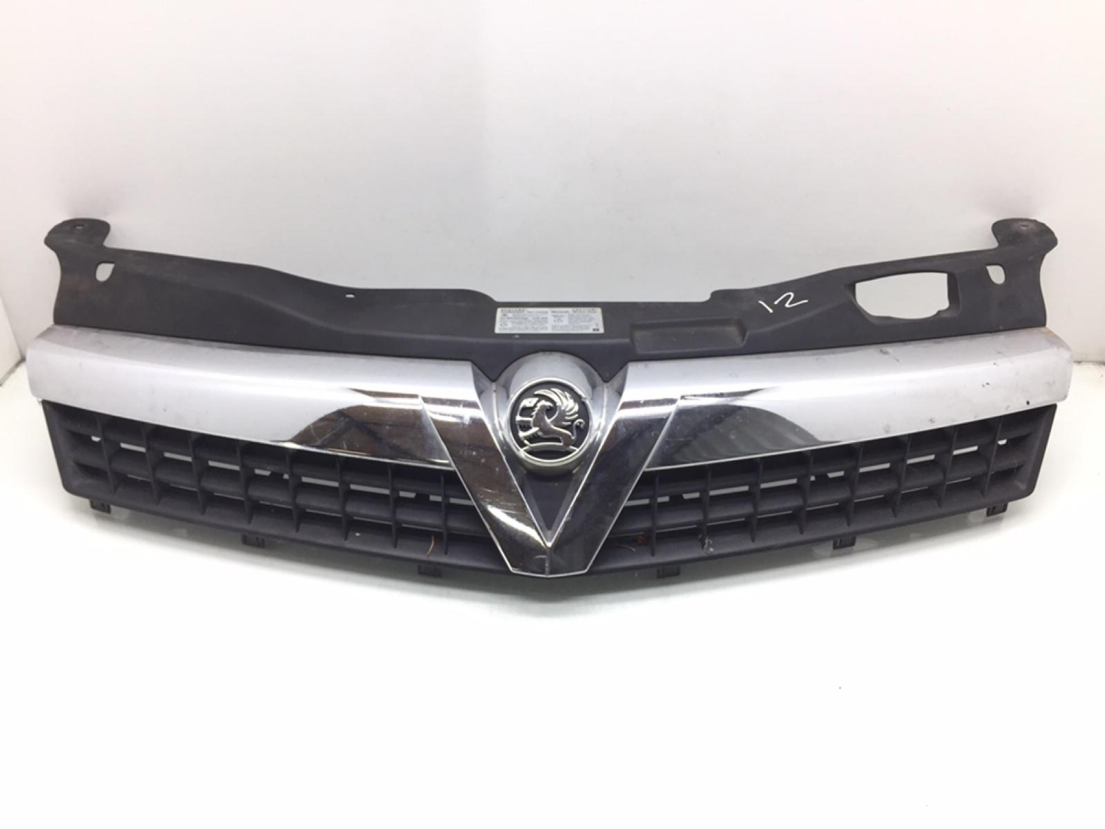 Решетка радиатора Opel Astra H 1.6 I 2010 (б/у)