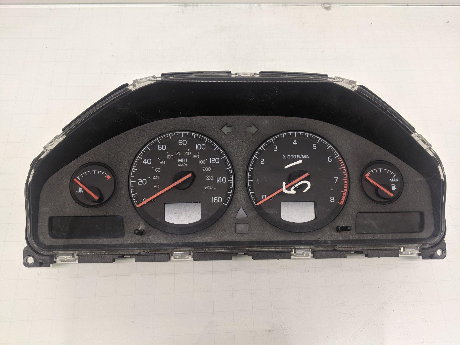 Щиток приборов (приборная панель) Volvo Xc70 2.4 TI 2001 (б/у)