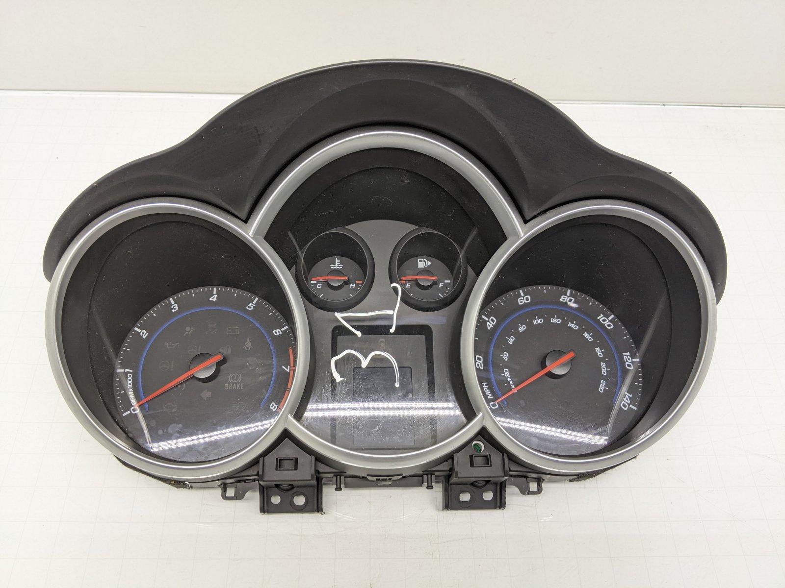 Щиток приборов (приборная панель) Chevrolet Cruze 1.6 I 2011 (б/у)
