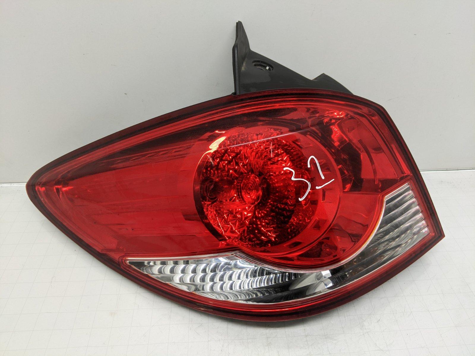 Фонарь задний левый Chevrolet Cruze 1.6 I 2011 (б/у)