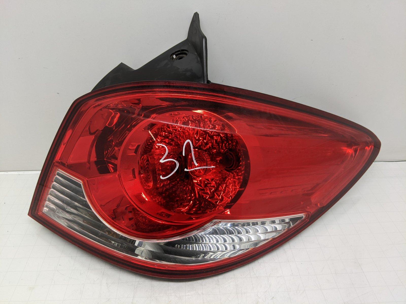 Фонарь задний правый Chevrolet Cruze 1.6 I 2011 (б/у)