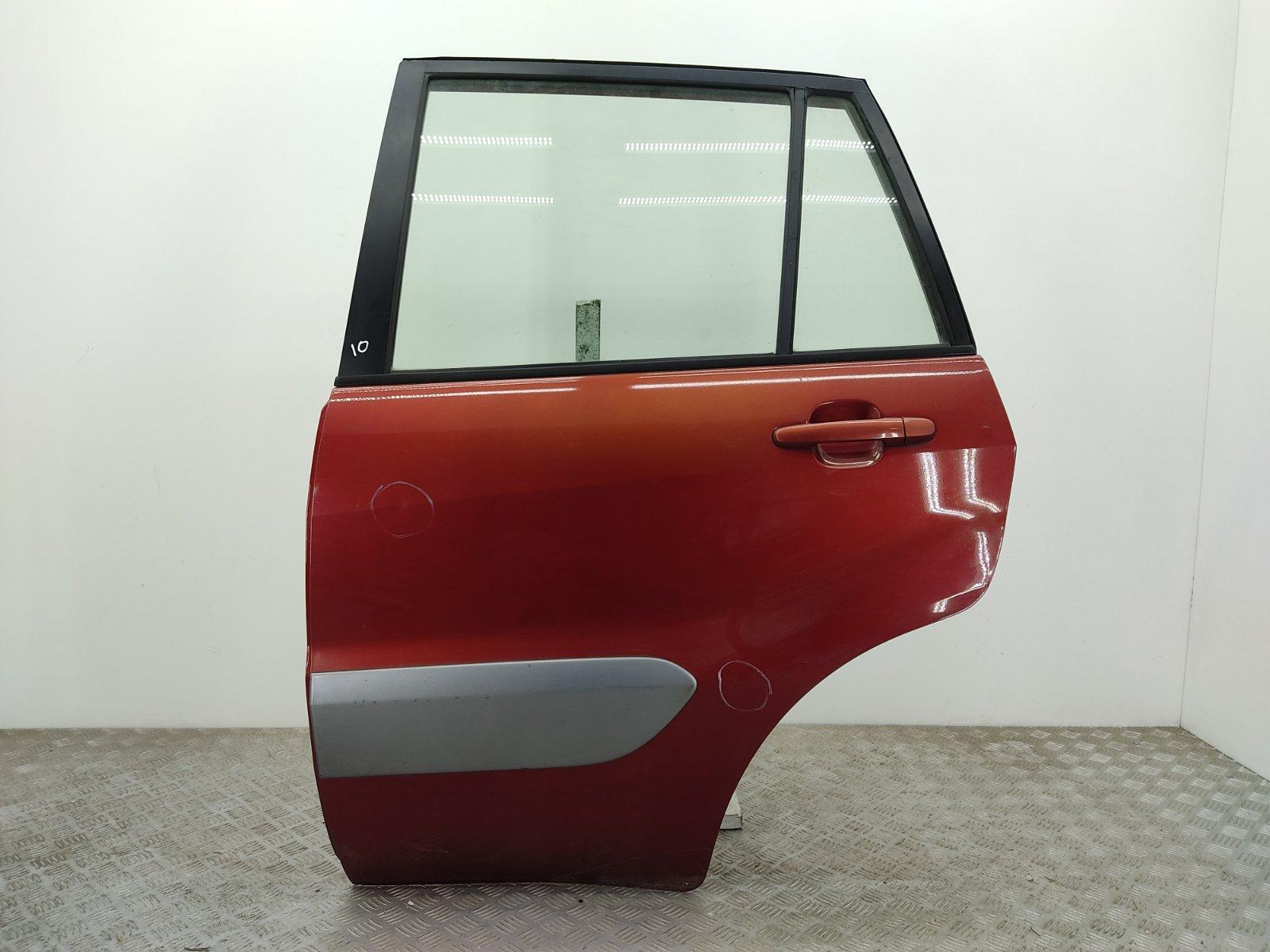 Дверь задняя левая Toyota Rav4 2.0 D-4D 2001 (б/у)