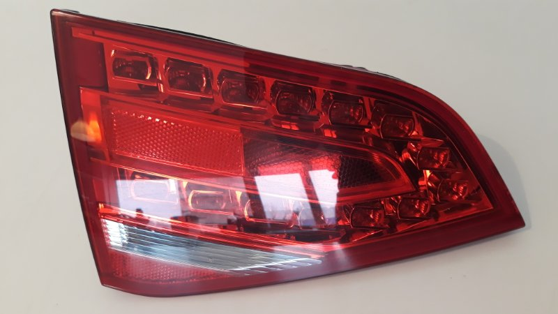 Фонарь внутренний Audi A4 B8 2008 задний левый (б/у)