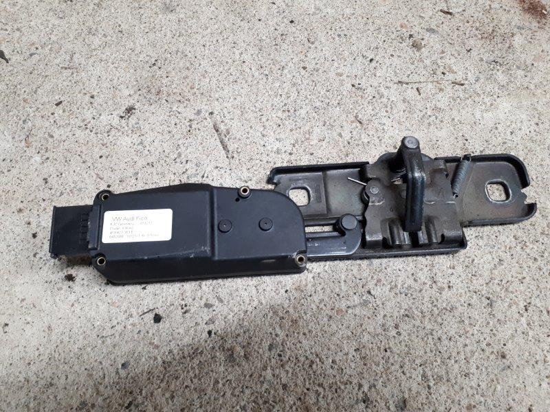 Ответная часть замка багажника Audi Q7 4L 3.0 TDI 2013 (б/у)