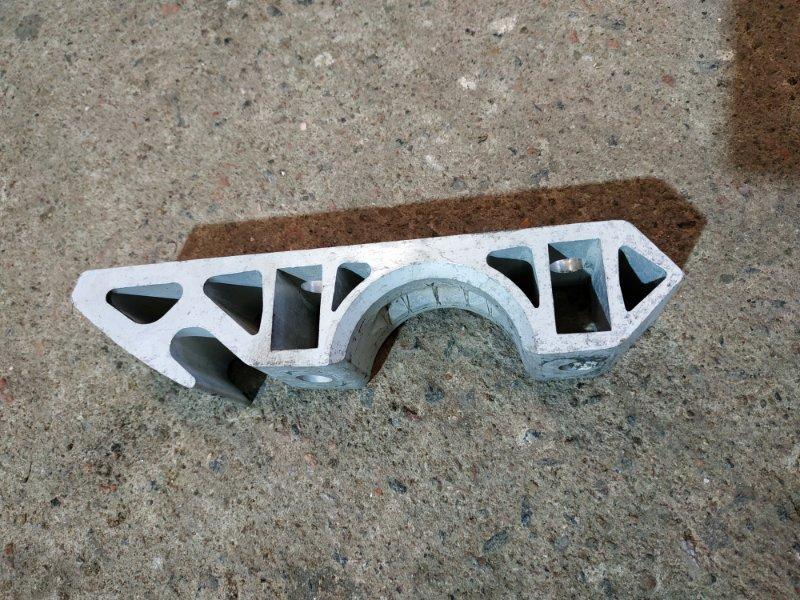 Кронштейн крепления стабилизатора Audi Q7 4L 2005 (б/у)