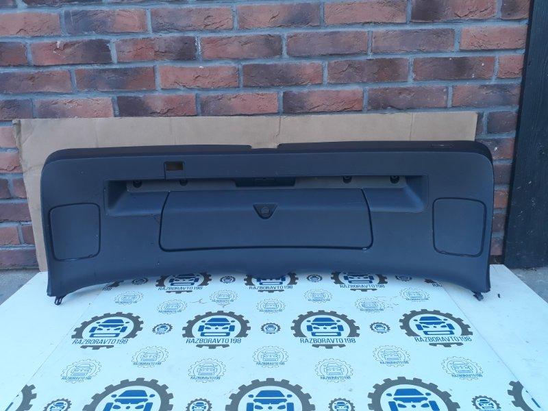 Обшивка двери багажника Audi Q7 4L 3.0 TDI 2012 задняя (б/у)