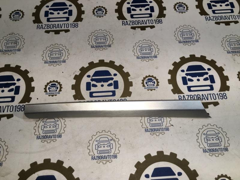 Декоративная накладка обшивки двери Audi Q7 4L 3.0 TDI 2012 передняя правая (б/у)