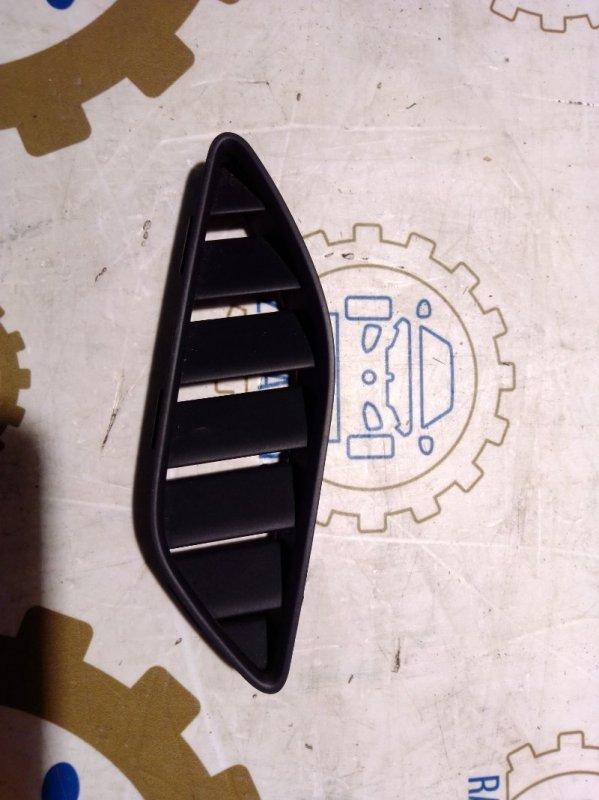 Дефлектор воздушный на торпедо Audi A4 B8 2011 передний левый (б/у)