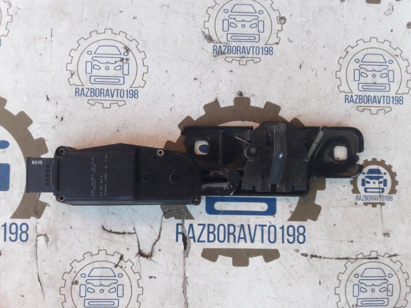 Ответная часть замка багажника Audi Q7 4L 2013 задняя (б/у)