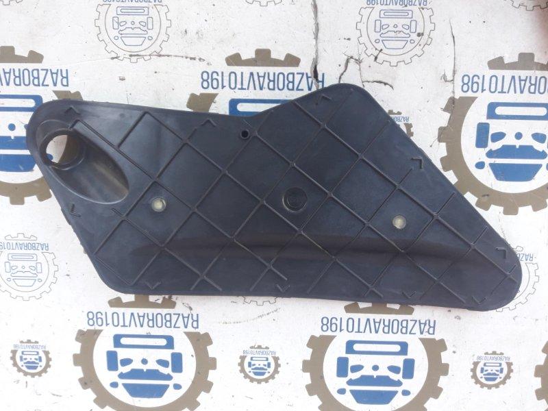 Заглушка Audi Q7 4L 2013 (б/у)
