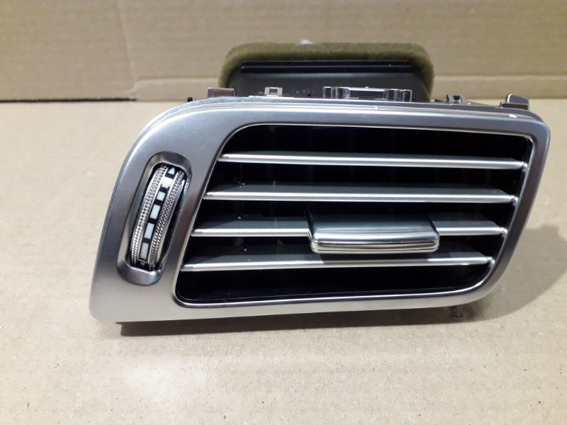 Воздушный дефлектор Mercedes-Benz Cls- Class W218 2012 передний правый (б/у)