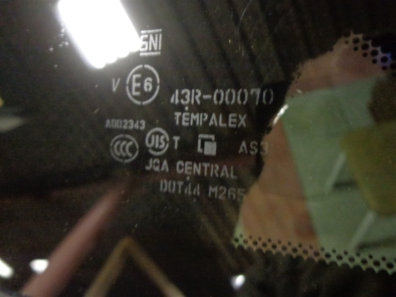 Стекло кузовное форточка заднее левое FX 2008- QX70 (S51)