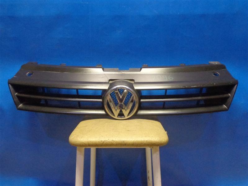 Решетка радиатора Volkswagen Polo 6R1 2009 (б/у)