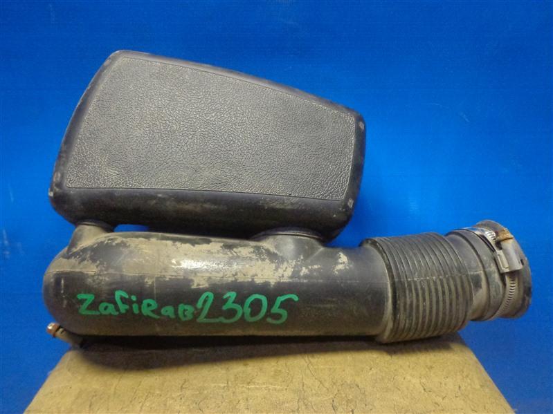 Резонатор воздушного фильтра Opel Zafira B A05 2005 (б/у)