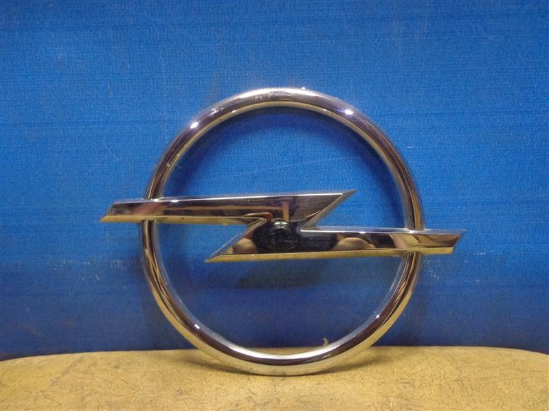Эмблема Opel Astra H L35 2004 (б/у)