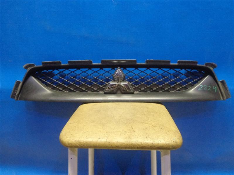 Решетка радиатора Mitsubishi Asx 2010 (б/у)