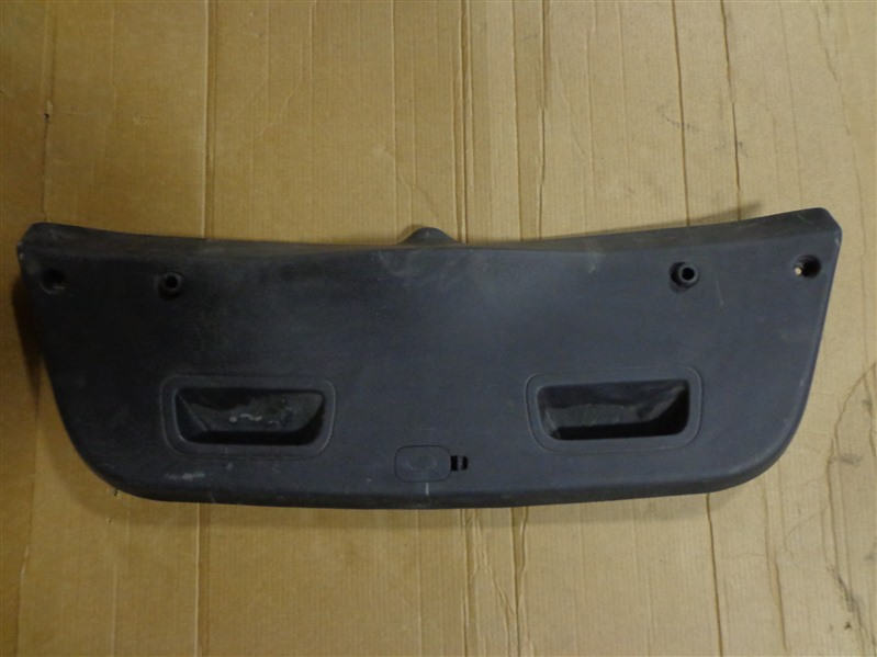 Обшивка крышки багажника Hyundai Solaris RB 2010 (б/у)
