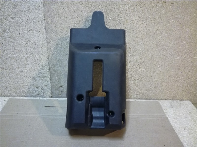 Кожух рулевой колонки Ford Fusion CBK 2002 нижний (б/у)