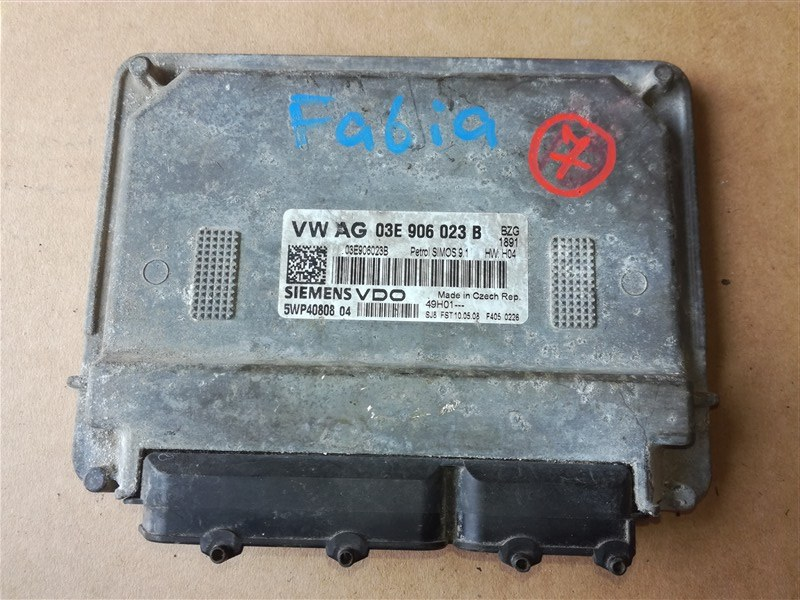Блок управления двигателем Skoda Fabia 5J2 2007 (б/у)