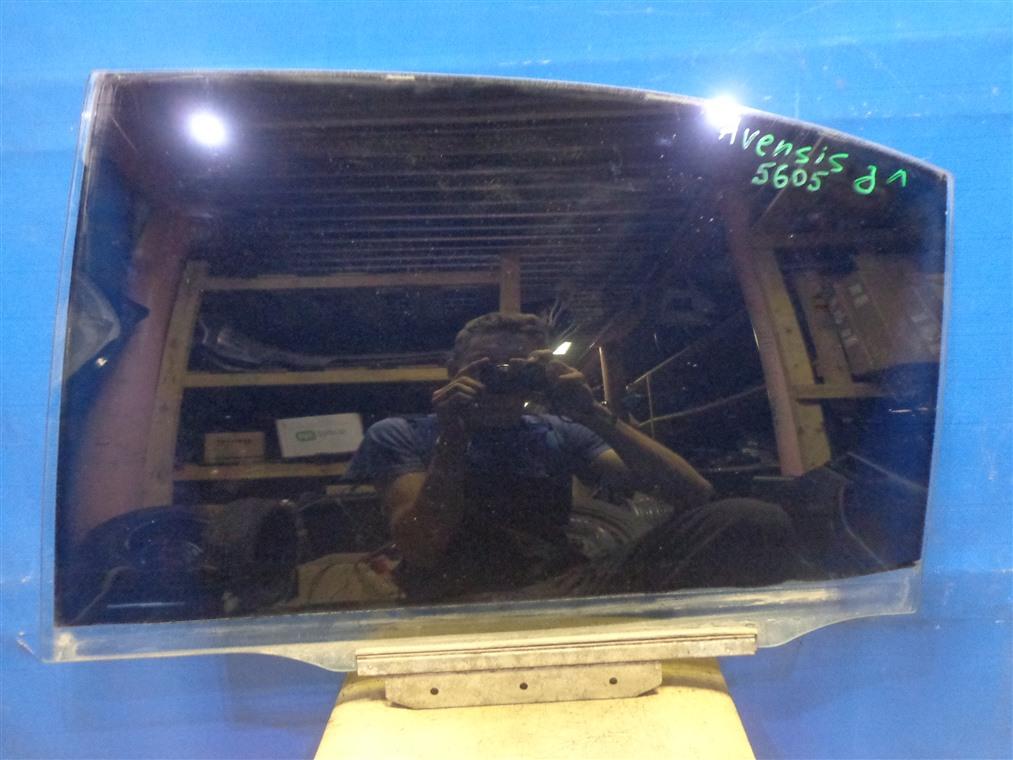 Стекло двери Toyota Avensis ZZT251L 2003 заднее левое (б/у)