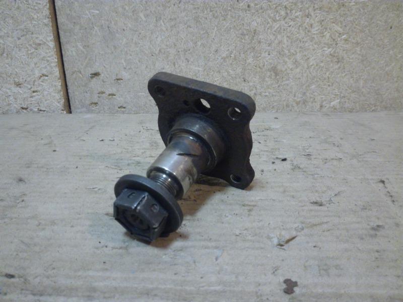 Цапфа Ford Fusion CBK 2002 задняя (б/у)