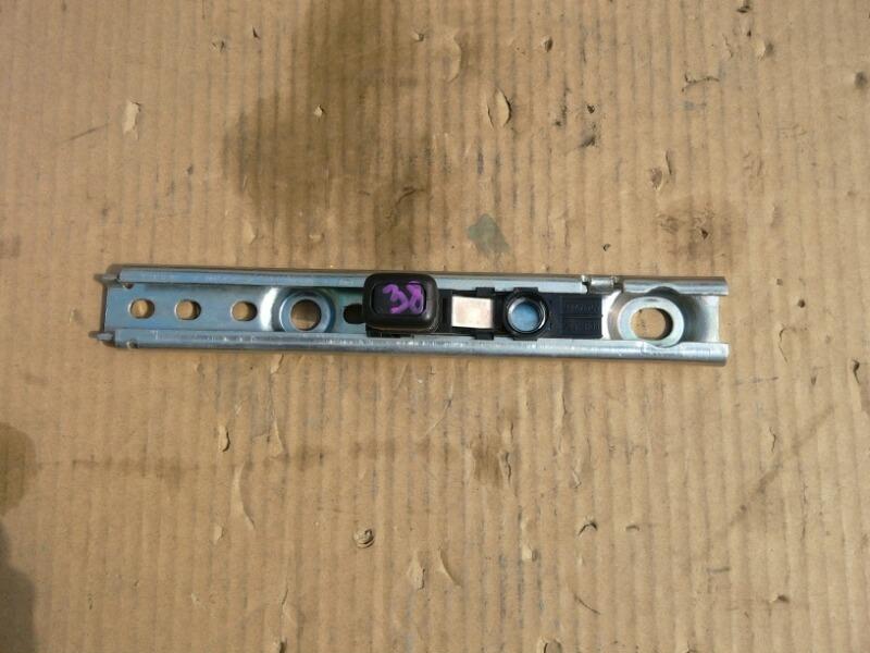 Механизм регулировки высоты ремня безопасности Renault Sandero BS11 2009 (б/у)