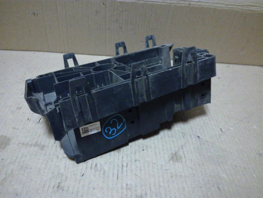 Корпус блока предохранителей Chevrolet Cruze J300 2009 (б/у)