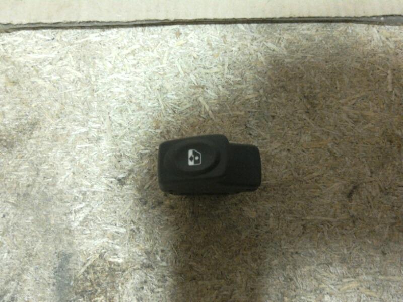 Кнопка стеклоподъемника Renault Logan LS0G/LS12 2005 (б/у)