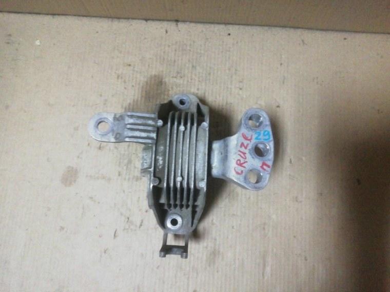 Опора двигателя Chevrolet Cruze J300 2009 правая (б/у)
