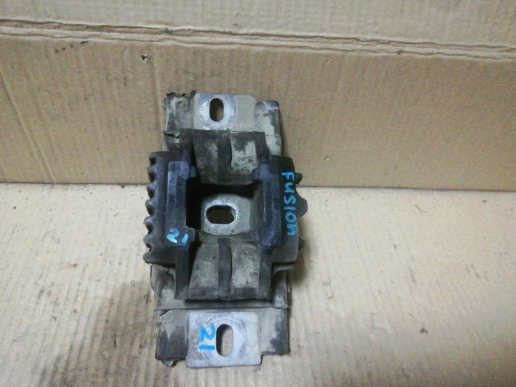 Опора двигателя Ford Fiesta CBK 2001 левая (б/у)