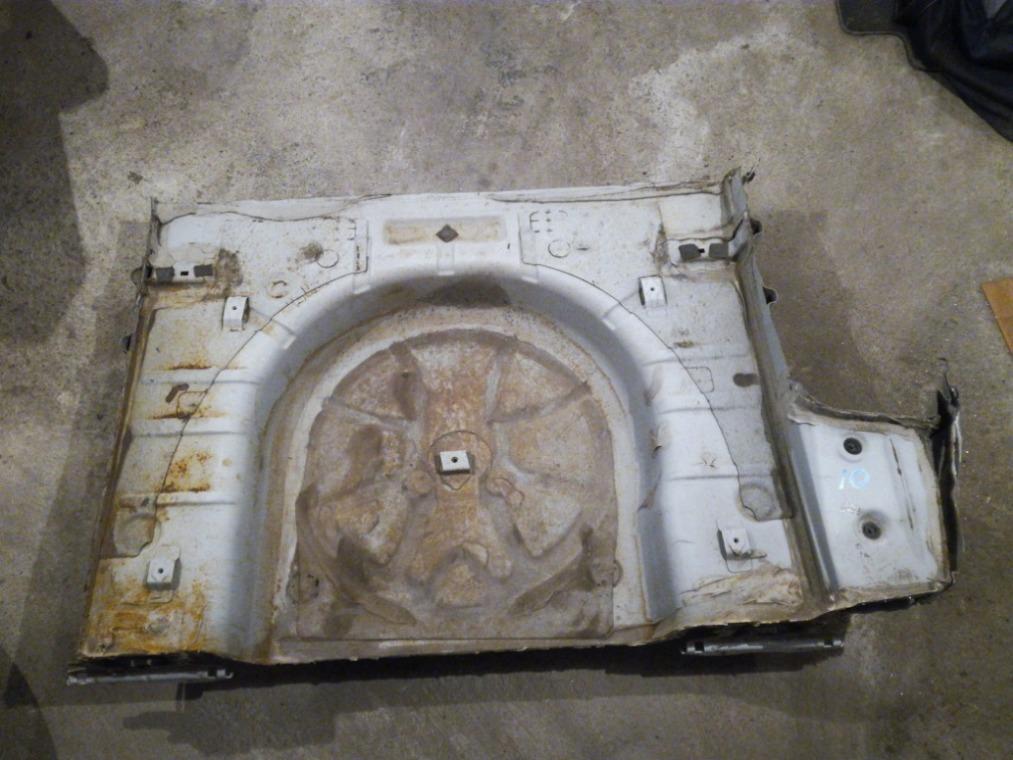 Ниша запасного колеса Chevrolet Cruze J305 2009 (б/у)