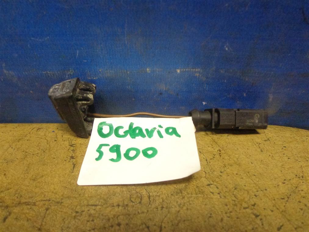 Форсунка омывателя Skoda Octavia A5 1Z5 2004 (б/у)